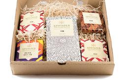 Подарочный набор шоколада «Бритарев» в упаковке (плитка 90 г и 4 плитки по 30 г)